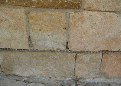 Provedení do kamenného zdiva